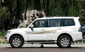 别看豪华SUV了,这三款40万左右的越野车才是纯爷们的选择