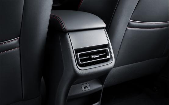 2.11-软文1-动PLUS以技术和品质立口碑,中国汽车品牌向上突破的标志、867.png