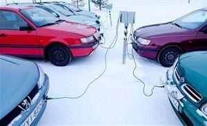 冬季寒风里 纯电动汽车商家与用户都很委屈